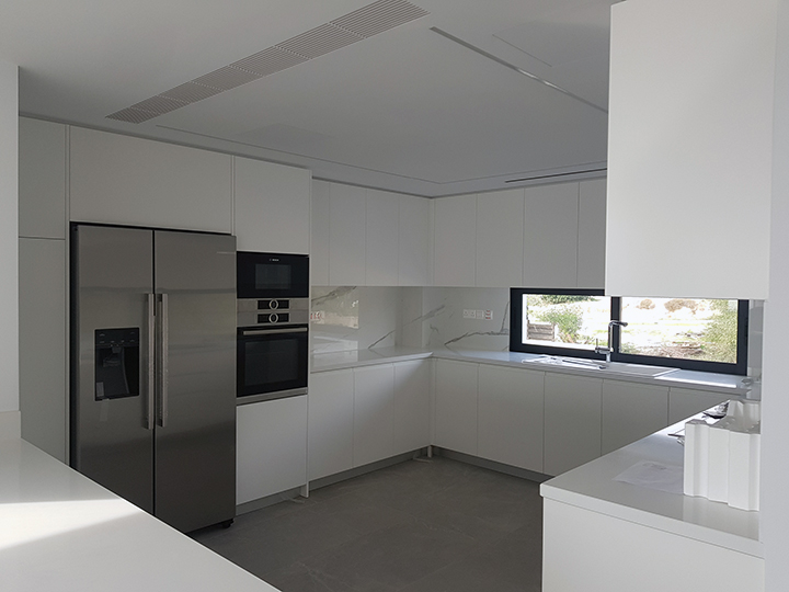 180 Residence - Flat 11 Kitchen
